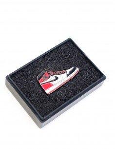 pins air jordan 1 black toe